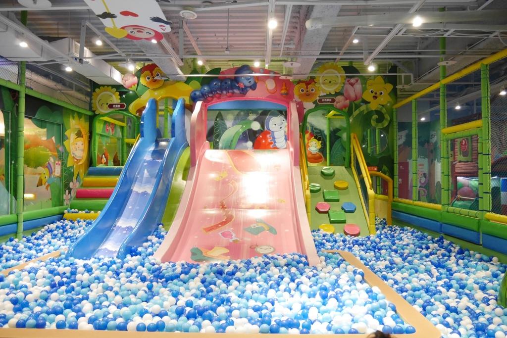 親子景點 親子樂園推薦 玩中學室內遊樂園 騎士堡 台南愛麗絲的家_22.JPG