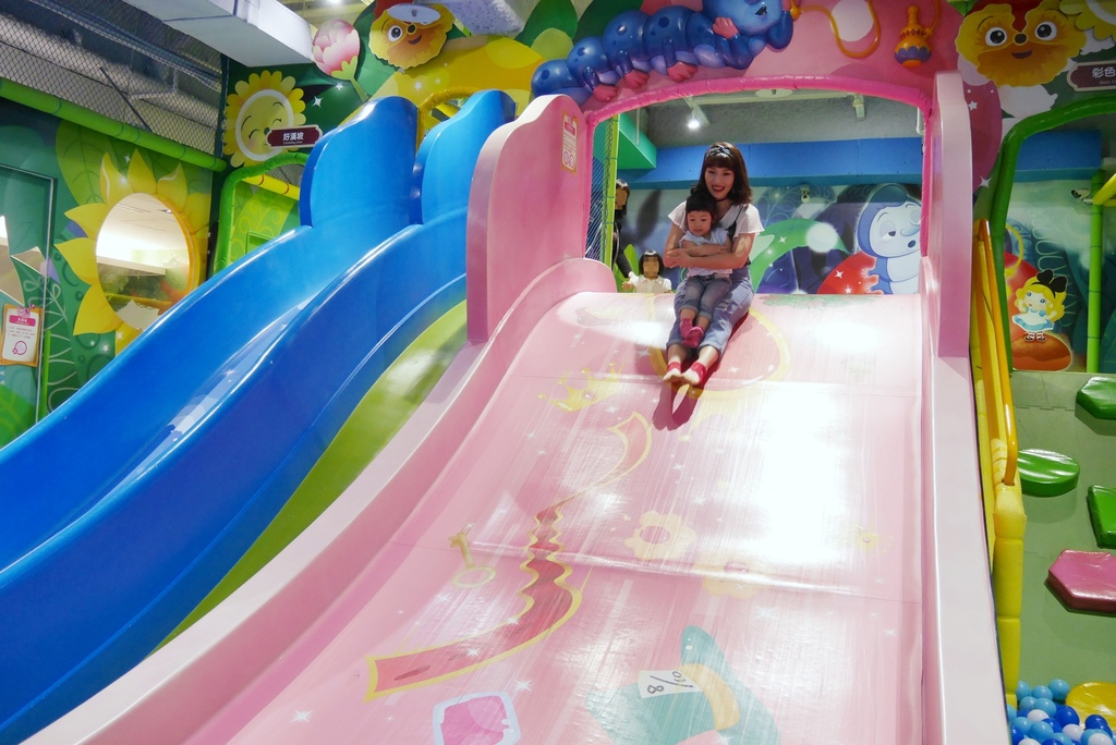 親子景點 親子樂園推薦 玩中學室內遊樂園 騎士堡 台南愛麗絲的家_24.JPG