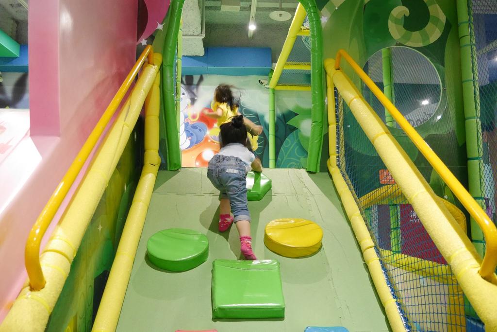 親子景點 親子樂園推薦 玩中學室內遊樂園 騎士堡 台南愛麗絲的家_23.JPG