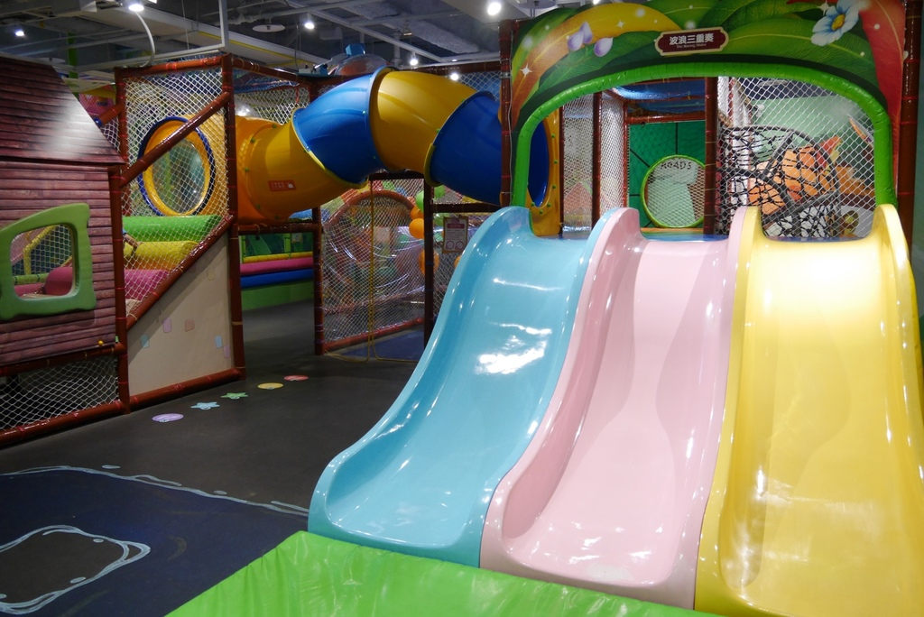 親子景點 親子樂園推薦 玩中學室內遊樂園 騎士堡 台南愛麗絲的家_30.JPG