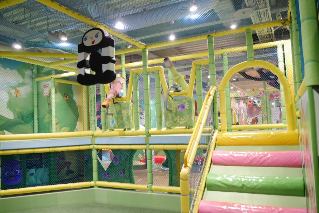 親子景點 親子樂園推薦 玩中學室內遊樂園 騎士堡 台南愛麗絲的家_35.JPG