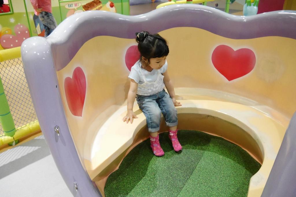 親子景點 親子樂園推薦 玩中學室內遊樂園 騎士堡 台南愛麗絲的家_39.JPG