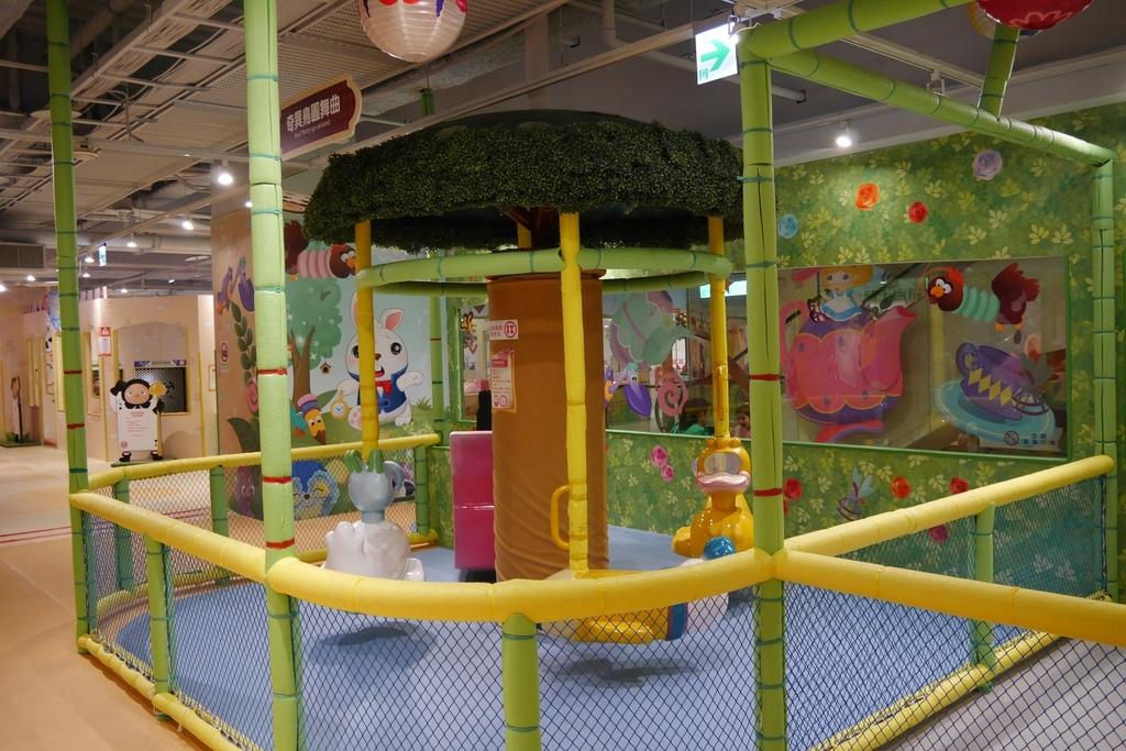 親子景點 親子樂園推薦 玩中學室內遊樂園 騎士堡 台南愛麗絲的家_40.JPG