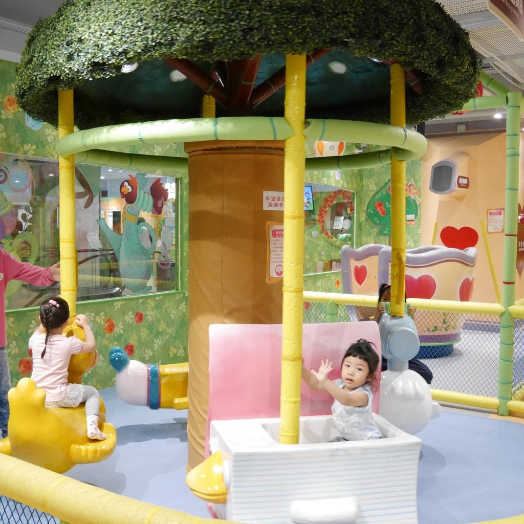 親子景點 親子樂園推薦 玩中學室內遊樂園 騎士堡 台南愛麗絲的家_41.JPG