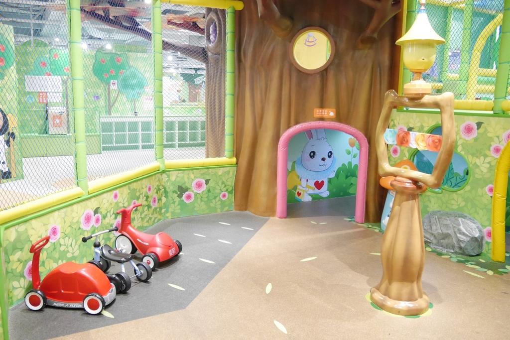 親子景點 親子樂園推薦 玩中學室內遊樂園 騎士堡 台南愛麗絲的家_43.JPG