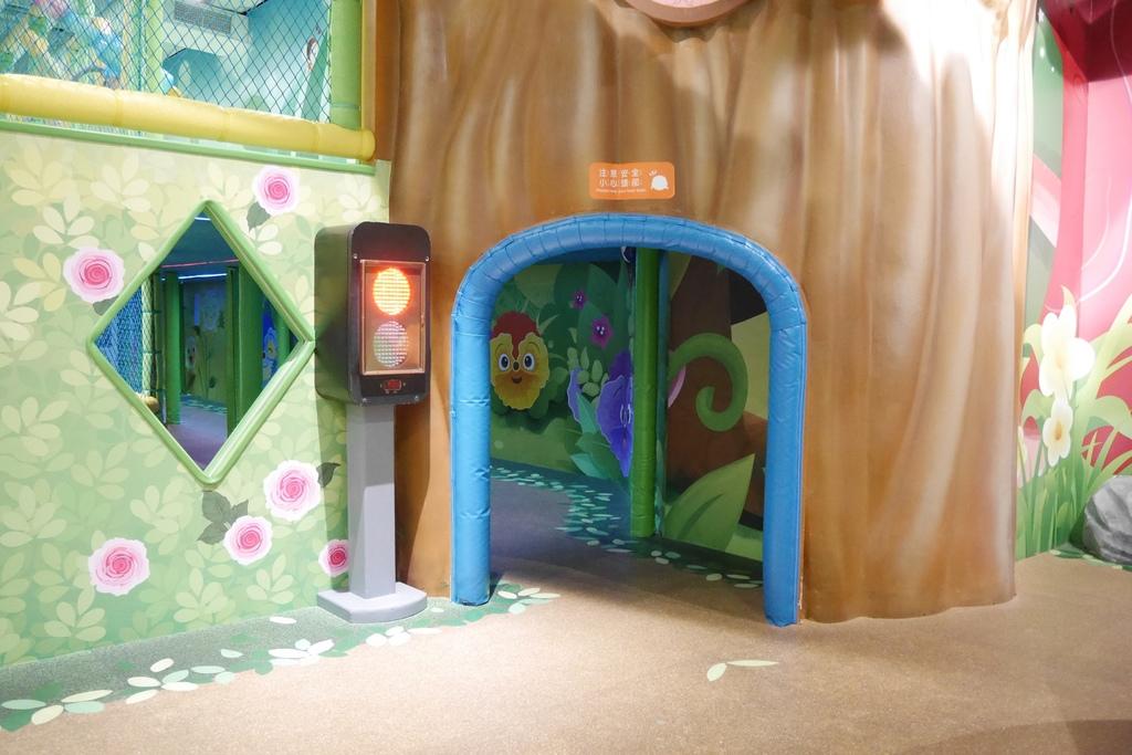 親子景點 親子樂園推薦 玩中學室內遊樂園 騎士堡 台南愛麗絲的家_45.JPG