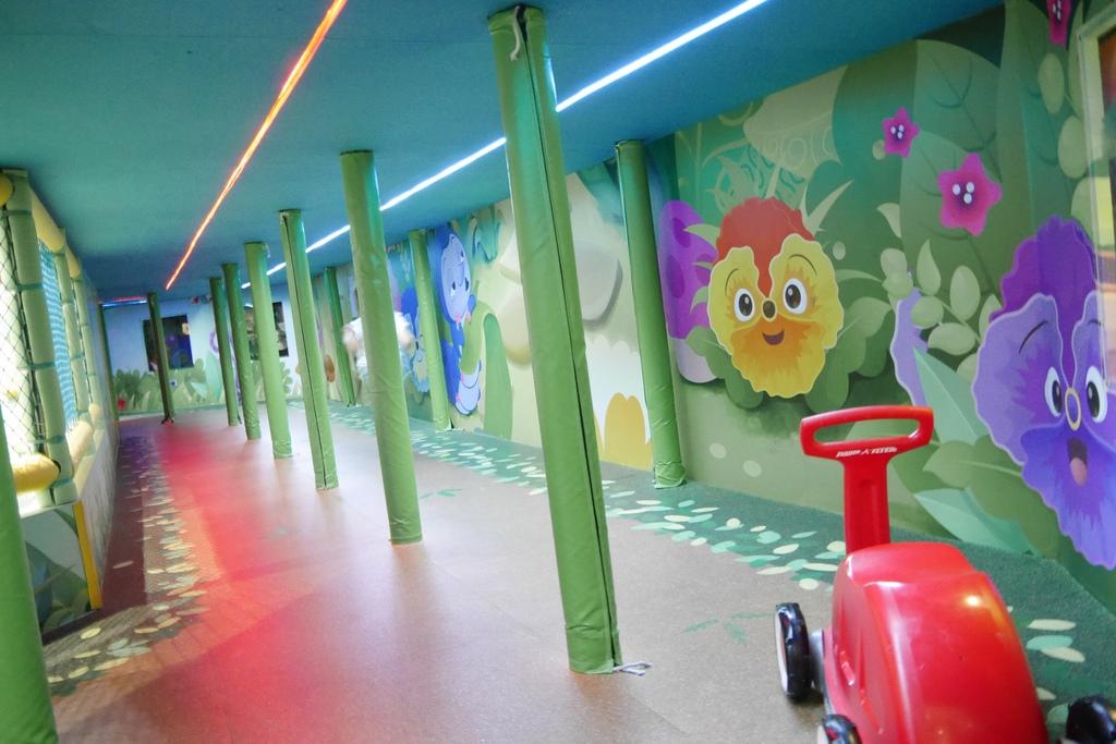 親子景點 親子樂園推薦 玩中學室內遊樂園 騎士堡 台南愛麗絲的家_46.JPG