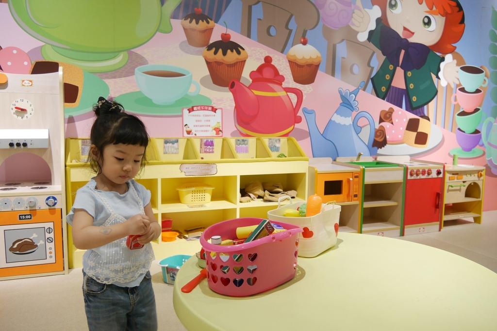 親子景點 親子樂園推薦 玩中學室內遊樂園 騎士堡 台南愛麗絲的家_51.JPG
