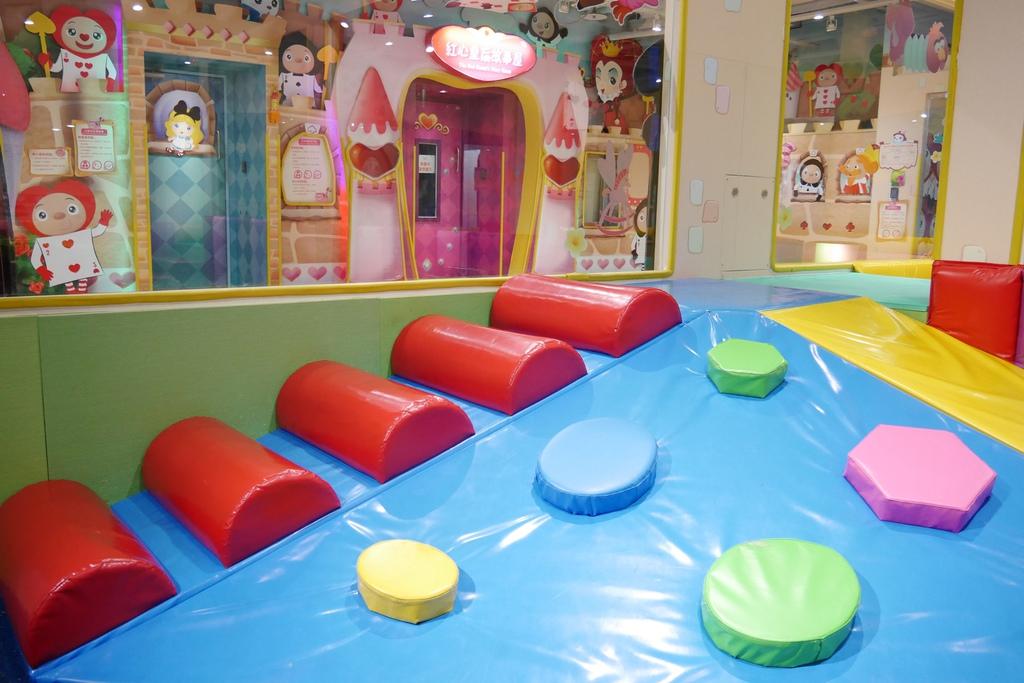親子景點 親子樂園推薦 玩中學室內遊樂園 騎士堡 台南愛麗絲的家_62.JPG