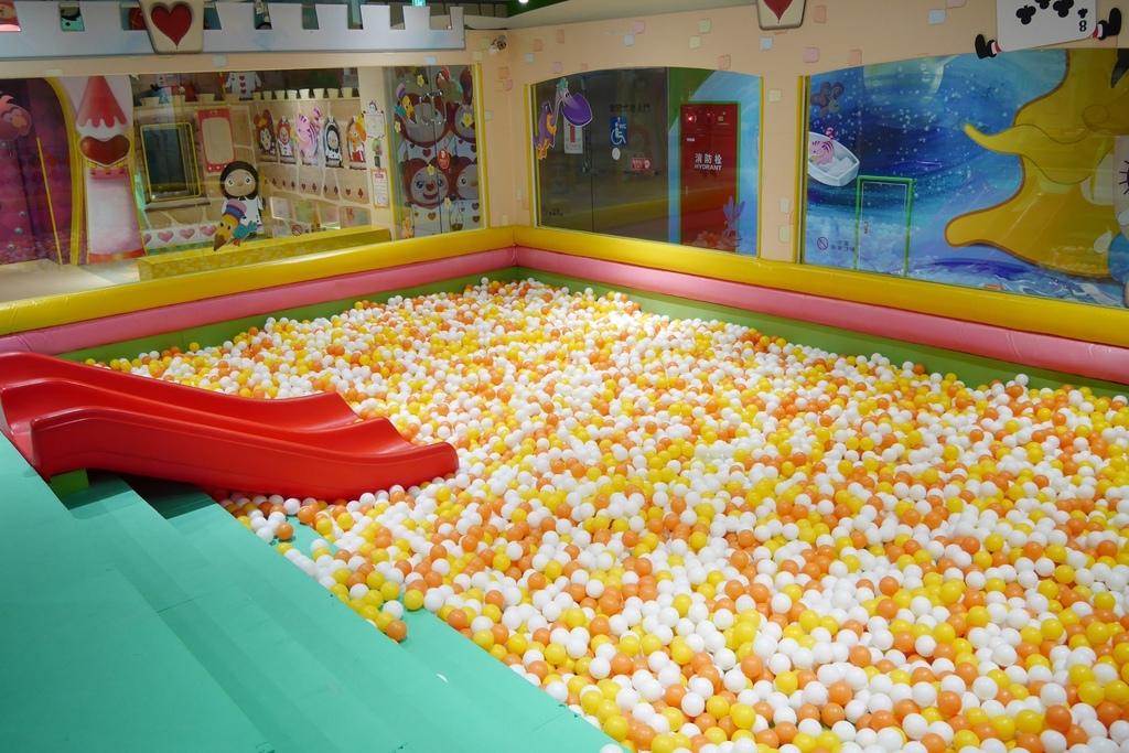 親子景點 親子樂園推薦 玩中學室內遊樂園 騎士堡 台南愛麗絲的家_63.JPG
