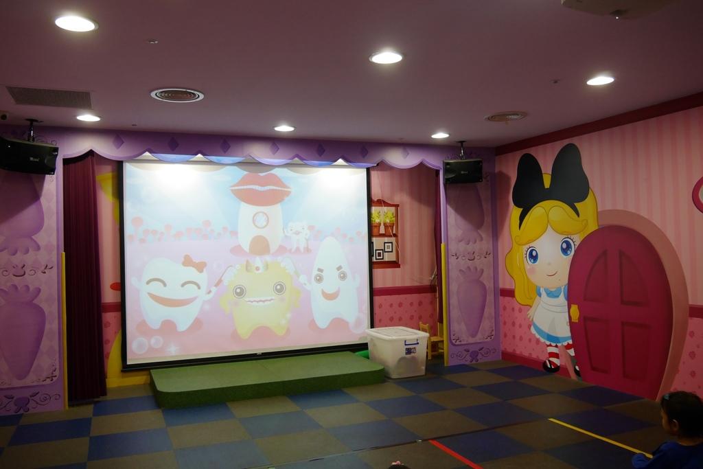 親子景點 親子樂園推薦 玩中學室內遊樂園 騎士堡 台南愛麗絲的家_74.JPG