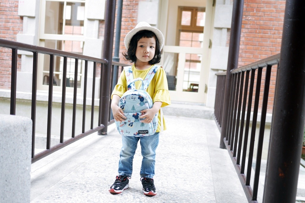 天藍小舖 DIsney 迪士尼親子包天藍小舖 米妮黛西好朋友寶貝多功能後背包24.JPG