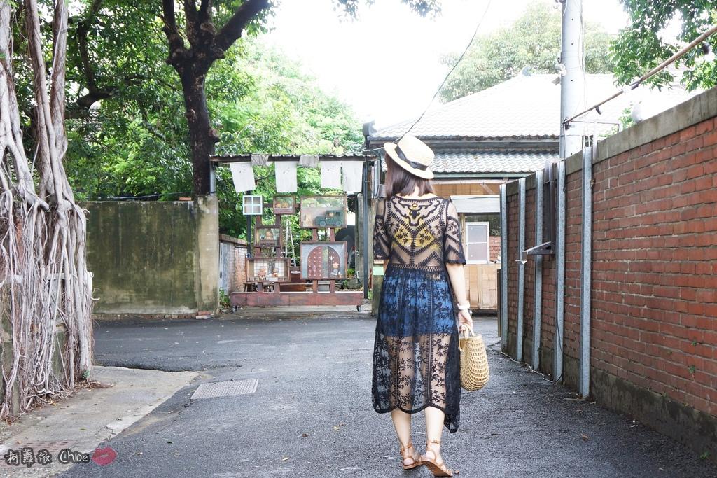 EASYSHOP 歐美流行時尚 無鋼圈夏日減壓內衣Bralette outfits穿出自由與時尚18.JPG