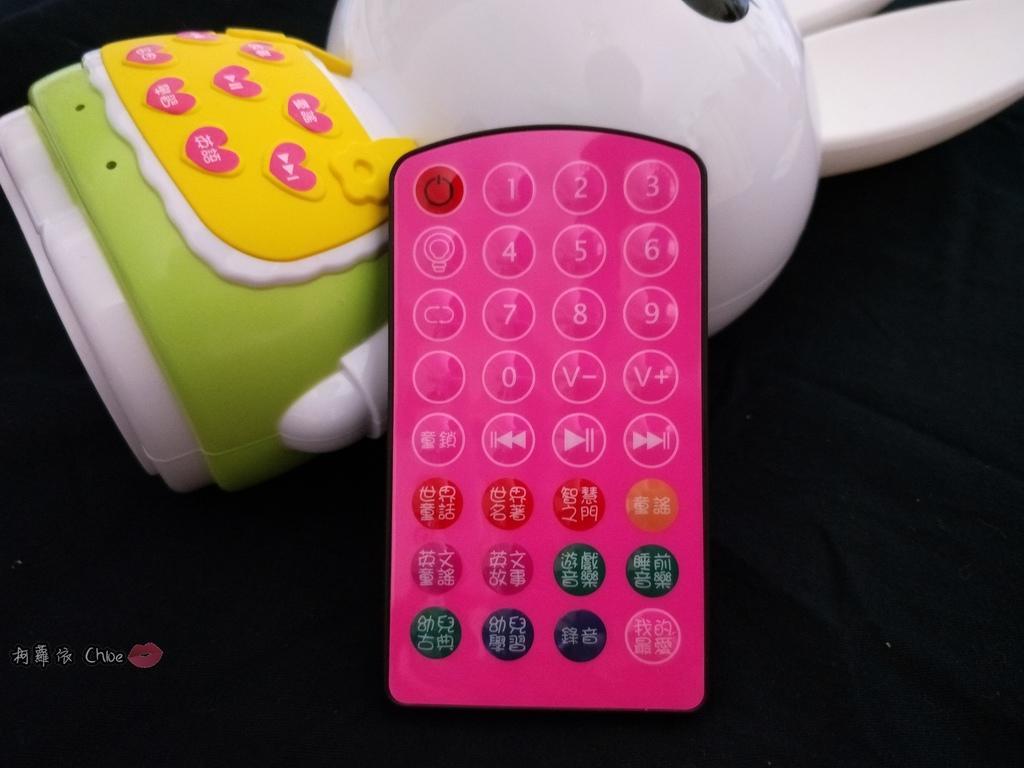 第二代芽比兔故事機(粉紅) + 台灣製造Hello Kitty音樂故事棒 開箱分享4.jpg