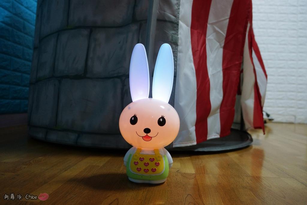 第二代芽比兔故事機(粉紅) + 台灣製造Hello Kitty音樂故事棒 開箱分享6.JPG