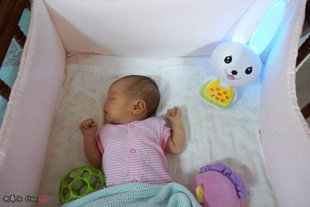 第二代芽比兔故事機(粉紅) + 台灣製造Hello Kitty音樂故事棒 開箱分享8.JPG