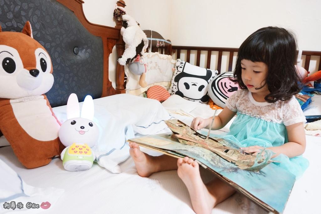 第二代芽比兔故事機(粉紅) + 台灣製造Hello Kitty音樂故事棒 開箱分享9.JPG