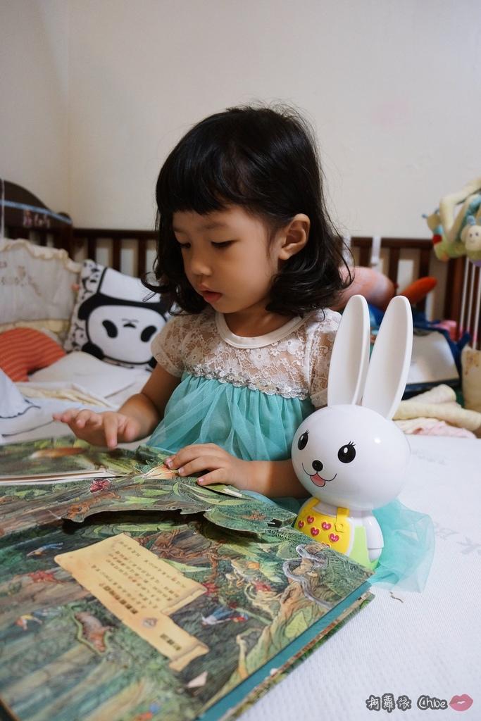 第二代芽比兔故事機(粉紅) + 台灣製造Hello Kitty音樂故事棒 開箱分享11.JPG