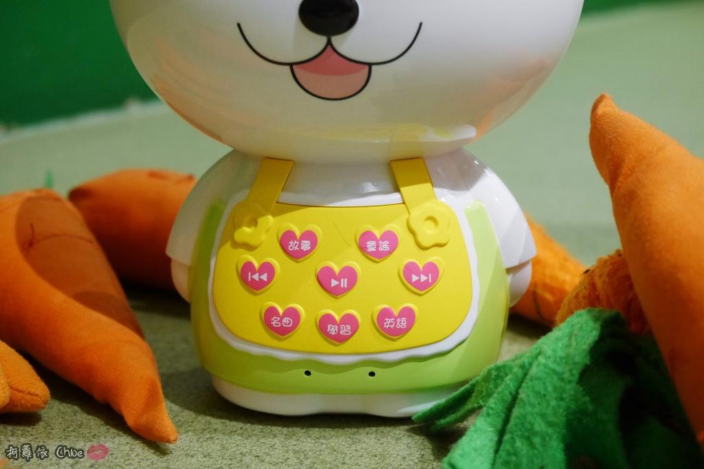 第二代芽比兔故事機(粉紅) + 台灣製造Hello Kitty音樂故事棒 開箱分享13.JPG