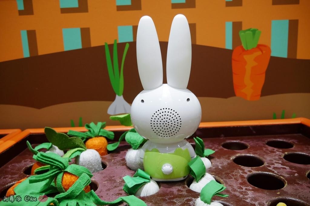 第二代芽比兔故事機(粉紅) + 台灣製造Hello Kitty音樂故事棒 開箱分享18.JPG