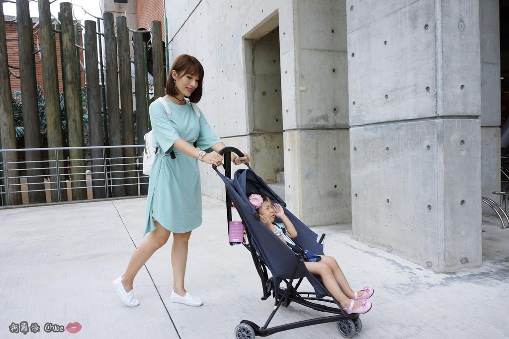荷蘭Quinny 【最咕溜好推的輕巧時尚旅行車Yezz】開箱分享24.JPG