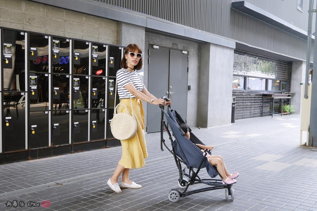 荷蘭Quinny 【最咕溜好推的輕巧時尚旅行車Yezz】開箱分享26.JPG