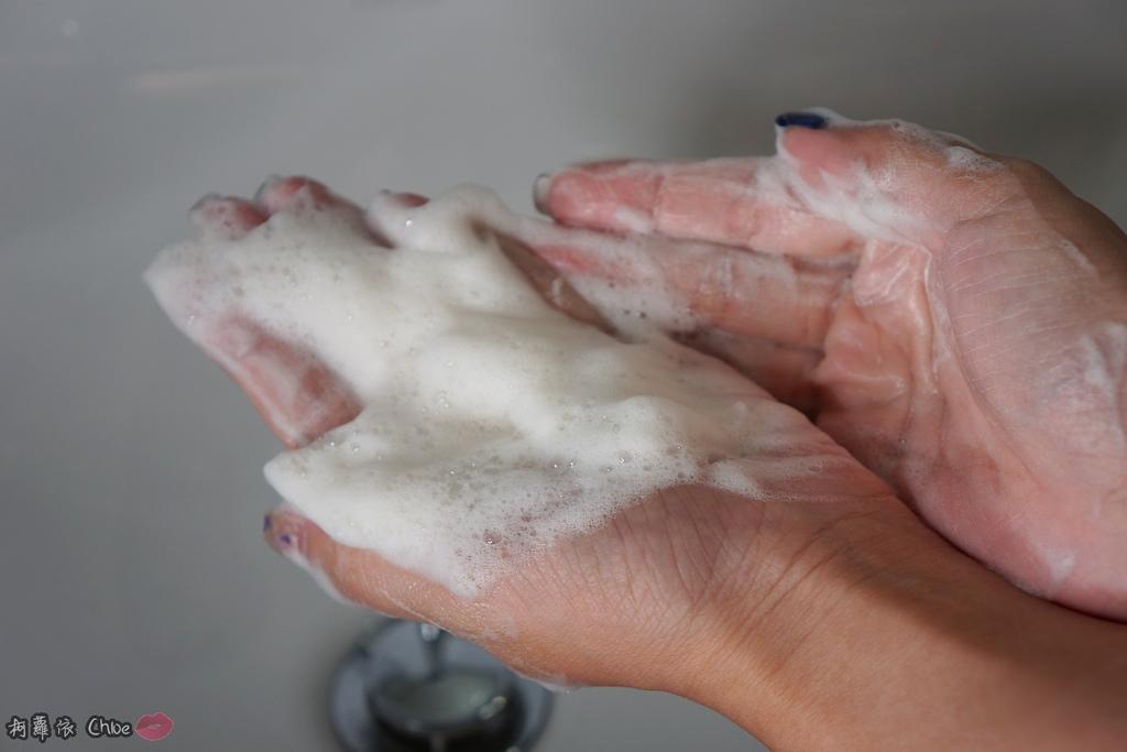 清潔保養 超人氣復古時尚沐浴皂60年好口碑 蜂王黑砂糖香皂 搭起復古風了沒15.JPG