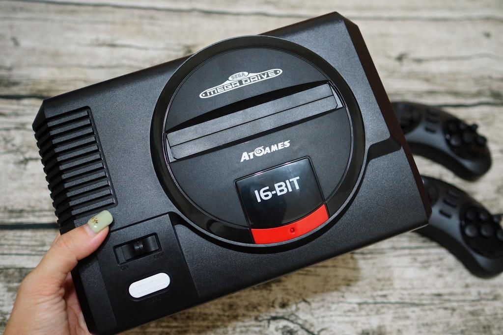回味童年的 SEGA MD 復古遊戲機 無線控制器超好玩!地點不設限電視遊樂器 高畫質輸出5.JPG