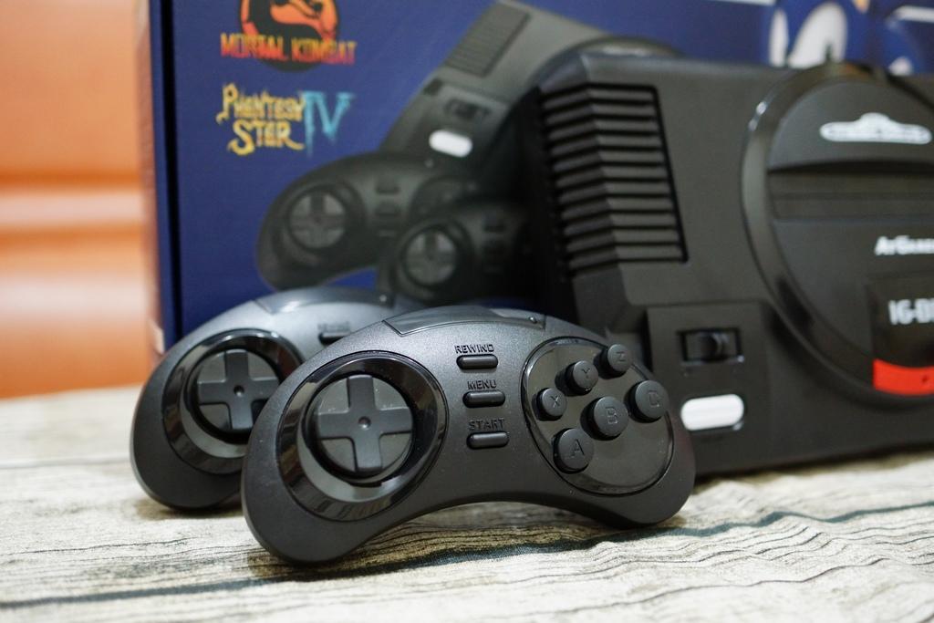 回味童年的 SEGA MD 復古遊戲機 無線控制器超好玩!地點不設限電視遊樂器 高畫質輸出12.JPG