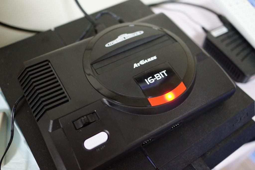 回味童年的 SEGA MD 復古遊戲機 無線控制器超好玩!地點不設限電視遊樂器 高畫質輸出23.JPG