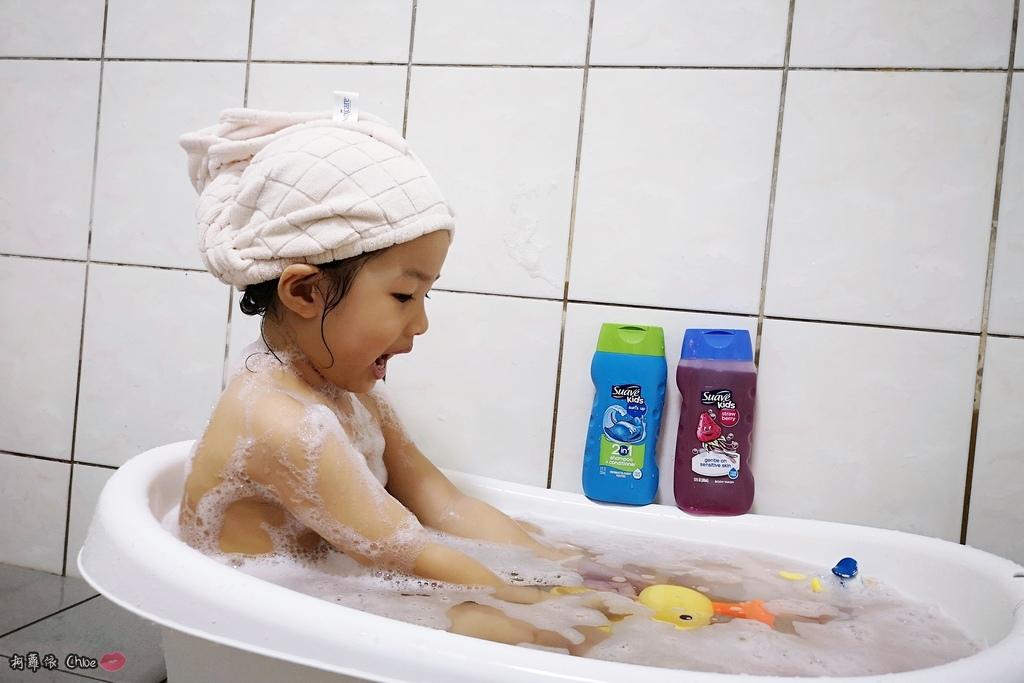 可愛甜甜香味 洗澡好好玩!泡沫細緻溫和好沖洗 Suave Kids 洗護二合一洗髮精洗髮精 沐浴乳 2-12 歲兒童適用15.jpg
