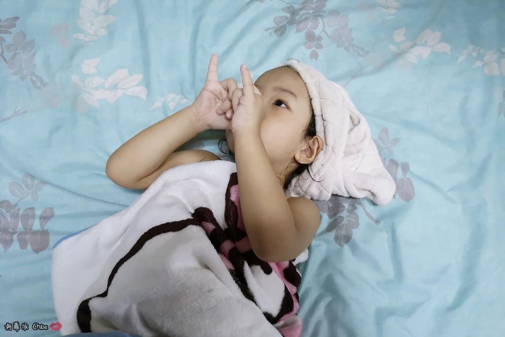 可愛甜甜香味 洗澡好好玩!泡沫細緻溫和好沖洗 Suave Kids 洗護二合一洗髮精洗髮精 沐浴乳 2-12 歲兒童適用18.jpg