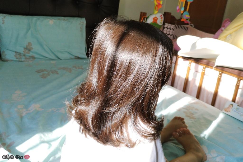 可愛甜甜香味 洗澡好好玩!泡沫細緻溫和好沖洗 Suave Kids 洗護二合一洗髮精洗髮精 沐浴乳 2-12 歲兒童適用22.jpg