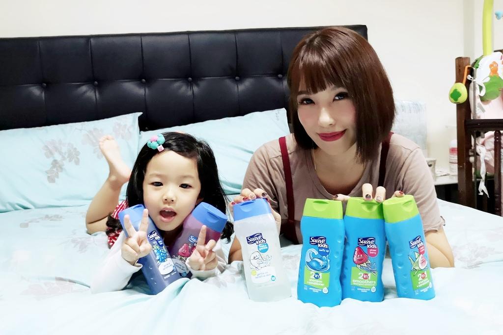 可愛甜甜香味 洗澡好好玩!泡沫細緻溫和好沖洗 Suave Kids 洗護二合一洗髮精洗髮精 沐浴乳 2-12 歲兒童適用27.jpg