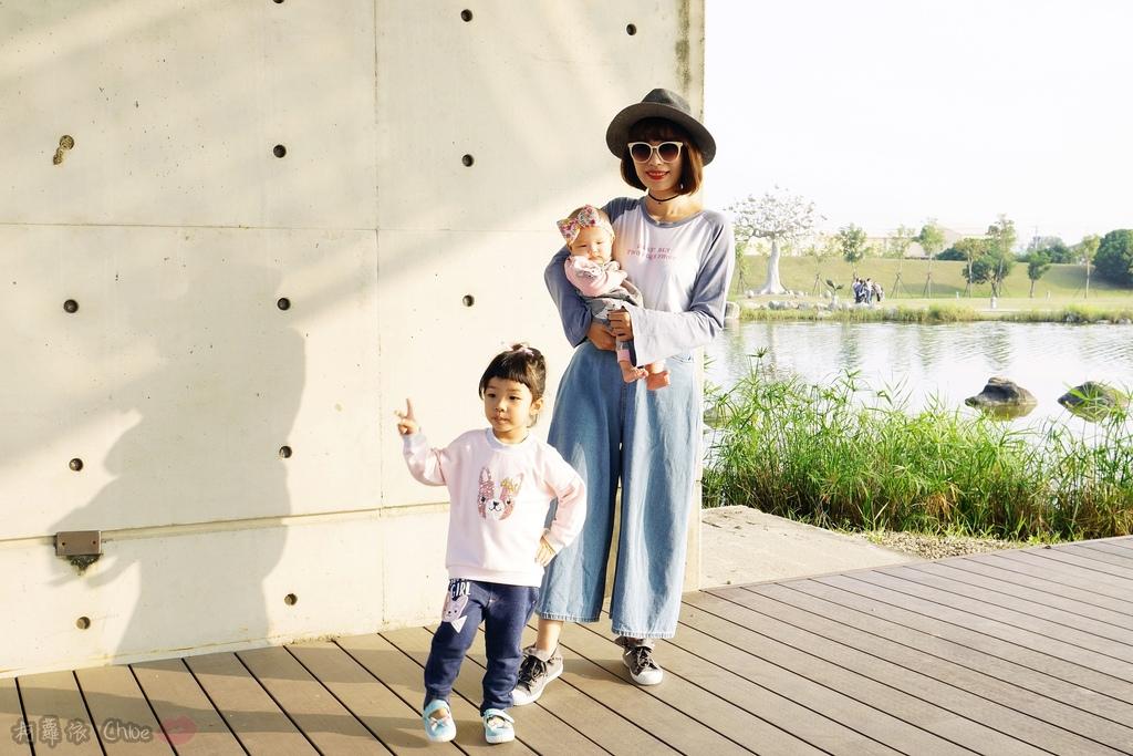 穿搭 讓寶貝穿得舒適又好看!時尚潮流姊妹裝Hallmark Babies潮流寶寶服飾系列12.JPG