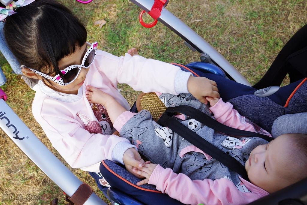 穿搭 讓寶貝穿得舒適又好看!時尚潮流姊妹裝Hallmark Babies潮流寶寶服飾系列14.JPG
