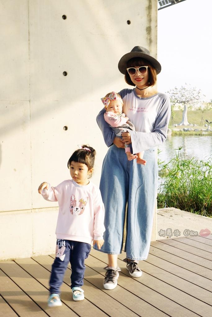 穿搭 讓寶貝穿得舒適又好看!時尚潮流姊妹裝Hallmark Babies潮流寶寶服飾系列42.JPG