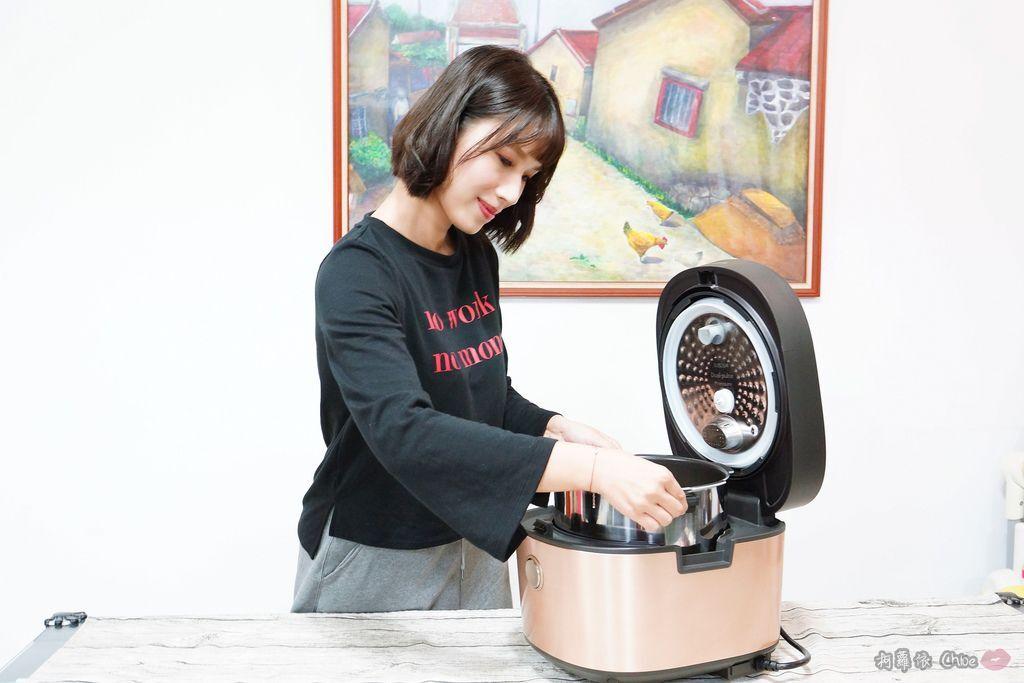 料理推薦 年菜有金小萬就搞定!飛利浦雙重脈衝智慧萬用鍋HD2195、廚神料理機HR776219.jpg