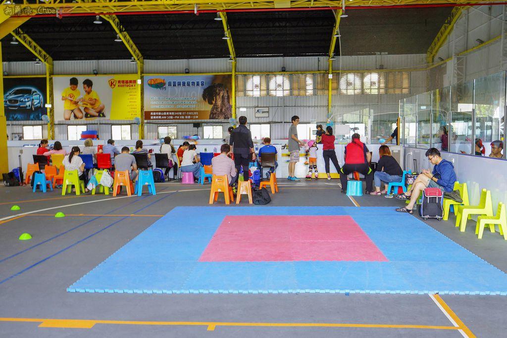 高雄 專為孩童打造的室內運動場館!PUCK帕克運動學園 寶貝們練體操囉!(環境篇)4A.jpg