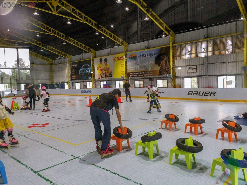 高雄 專為孩童打造的室內運動場館!PUCK帕克運動學園 寶貝們練體操囉!(環境篇)4.jpg