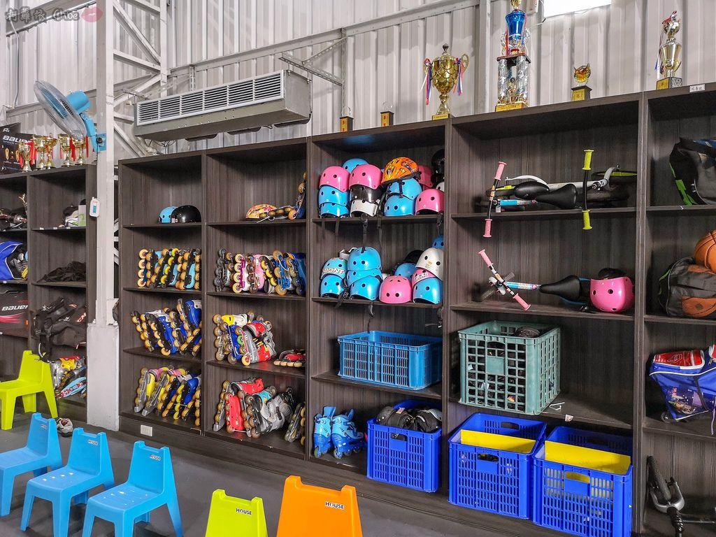 高雄 專為孩童打造的室內運動場館!PUCK帕克運動學園 寶貝們練體操囉!(環境篇)5.jpg
