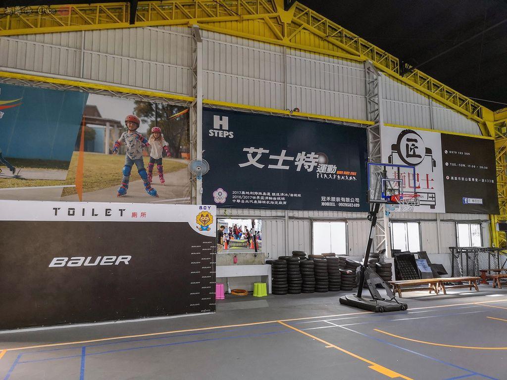 高雄 專為孩童打造的室內運動場館!PUCK帕克運動學園 寶貝們練體操囉!(環境篇)8.jpg