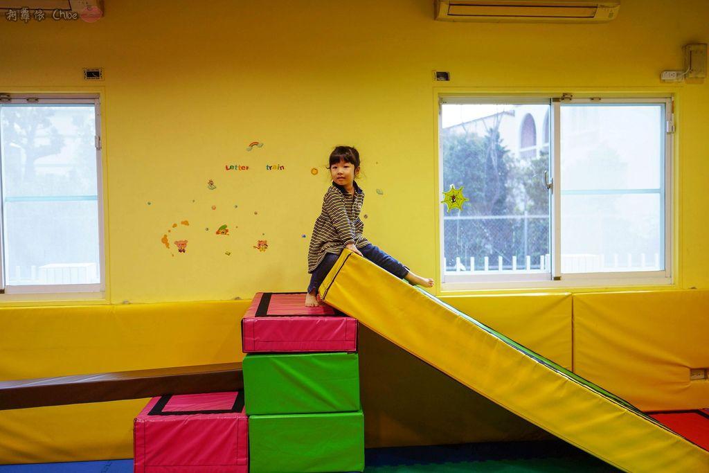 高雄 專為孩童打造的室內運動場館!PUCK帕克運動學園 寶貝們練體操囉!(環境篇)15.jpg