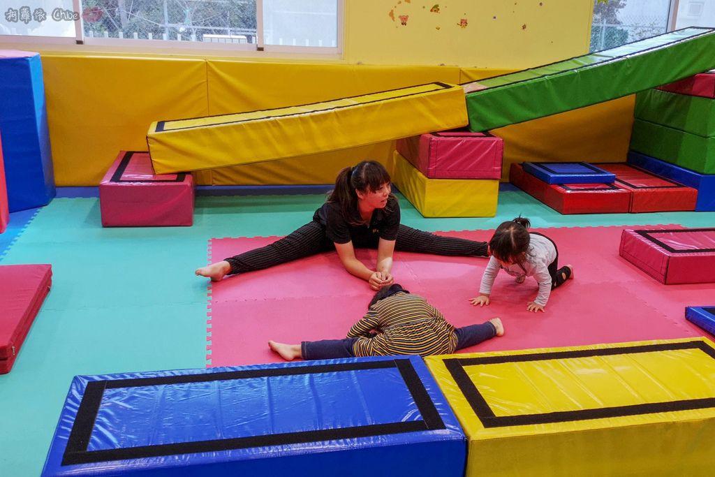 高雄 專為孩童打造的室內運動場館!PUCK帕克運動學園 寶貝們練體操囉!(環境篇)29.jpg