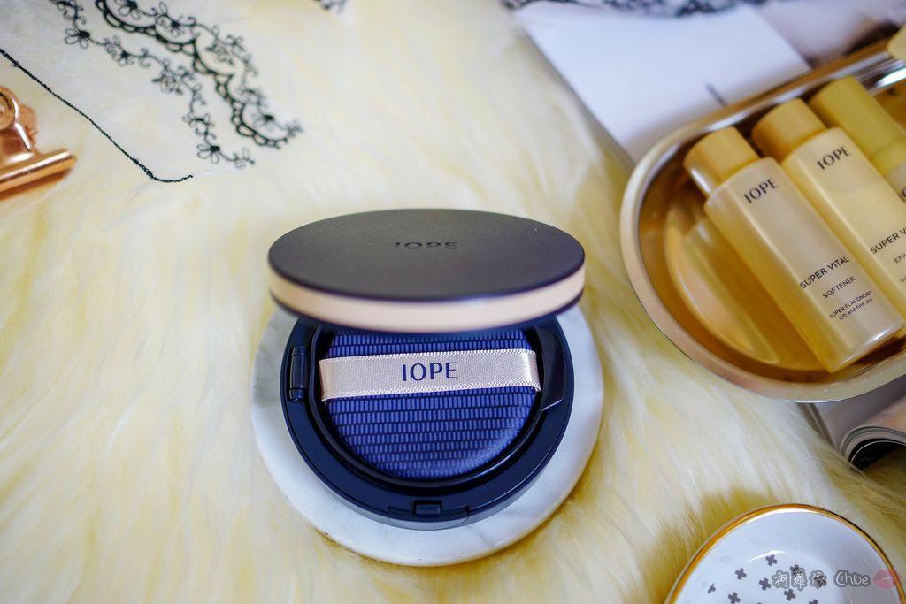 韓劇歐膩般的光潤肌 IOPE艾諾碧 完美恆采持色氣墊粉底 時光金鑰緻顏全套體驗組5.jpg