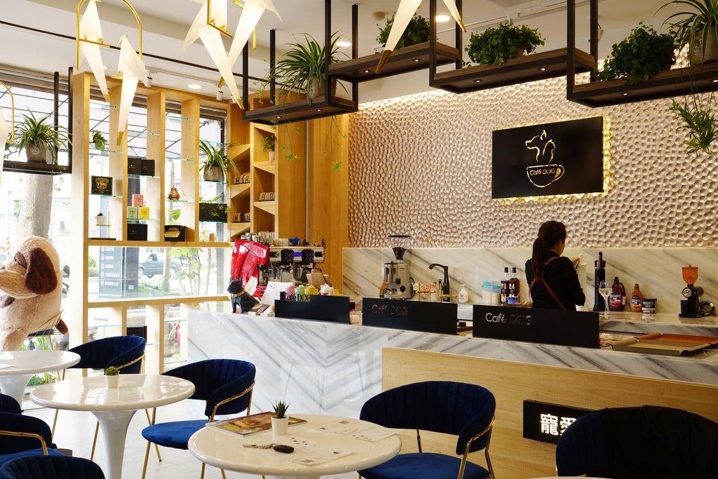 高雄 Cafedog寵物沙龍 寵物美容x網美咖啡廳複合店 優質服務和時尚空間 給毛小孩舒適SPA美容7A.JPG