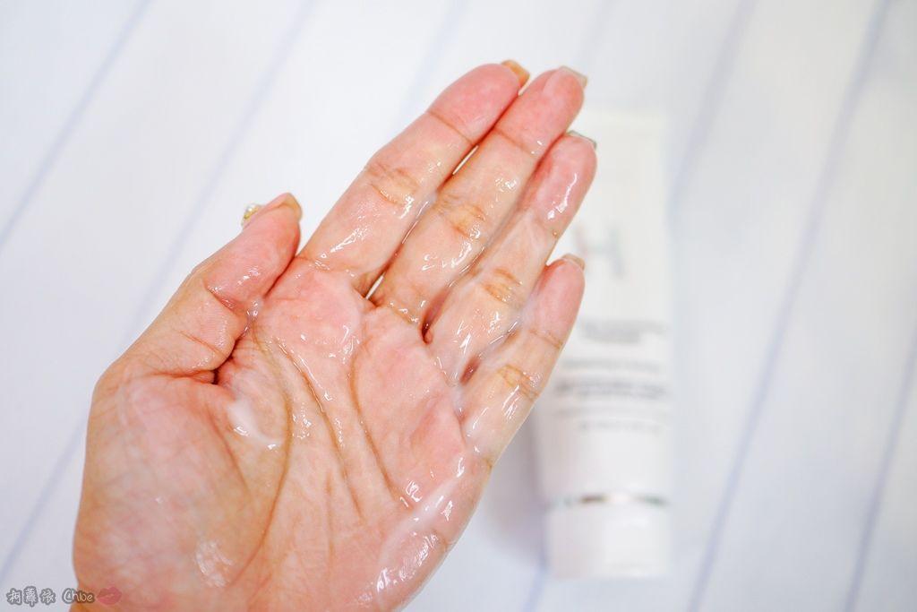 溫和清潔給肌膚超水感!水嫩交給Dr.Douxi朵璽極光微導系列8A.jpg