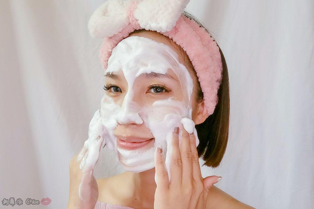 保養第一步清潔很重要!超綿密泡泡 全身都可使用 淨白美人沖繩海泥潔顏乳8.jpg