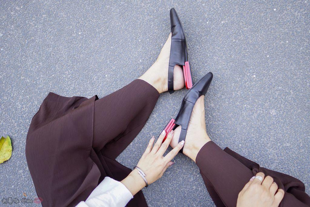 LOOKBOOK 個性女孩穿搭首選 MISS 21 獨特創意方形夾心尖頭全真皮低跟鞋 開箱%26;穿搭分享26.jpg