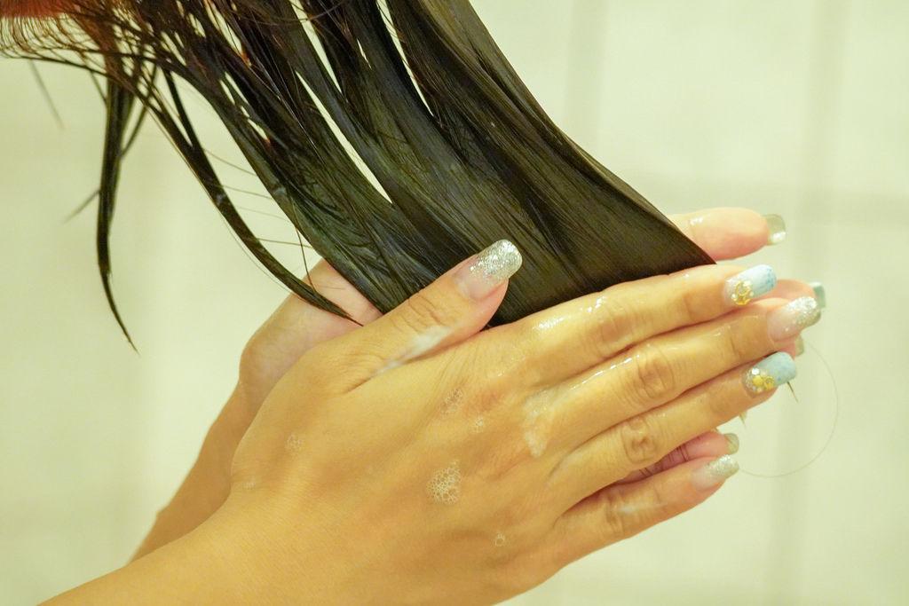 染髮推薦|黑髮專用超顯色 換髮色無色限 卡樂芙Colorful 優質染髮霜-金沙亞麻%26; 亮彩護色洗護組41.jpg